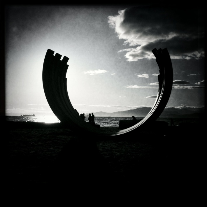 Sculpture by Vancouver Seawall, by Guacira Naves